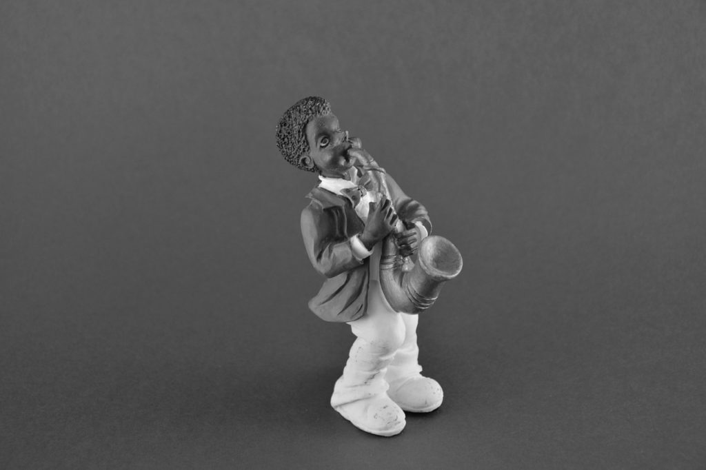 Empezar a tocar el saxofón, ¿qué materiales compro?